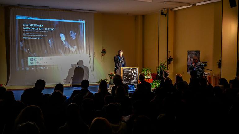 Celebrazione alla casa circondariale Villa Fastiggi di Pesaro per la 57° giornata mondiale del Teatro